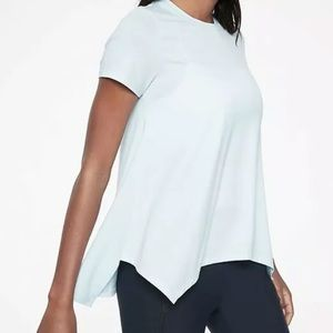 NWT Athleta Essence Handkerchief Hem Tee Sz L
